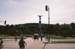 Monument in park entrance