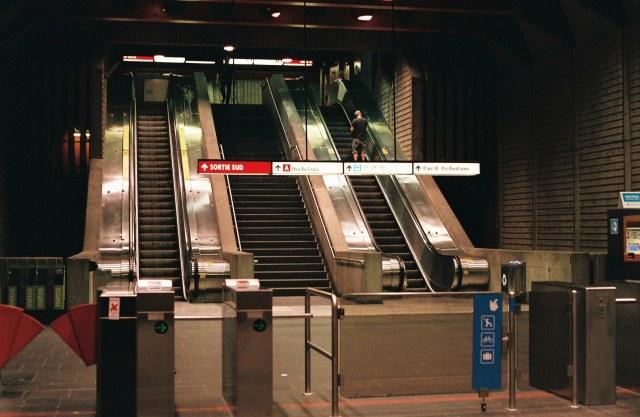 metro montreal canada